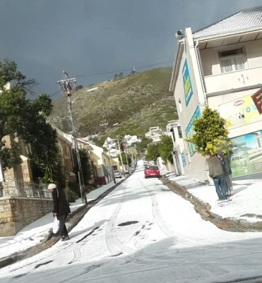 Hail in Mt Nelson Road, Sea Point, Cape Town